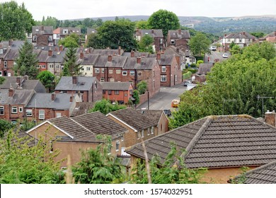 Rooftop view of terraced house streets of a residential suburb in the town of Sheffield. It is the eight largest city in UK, a former industrial hub famous as the Steel City.