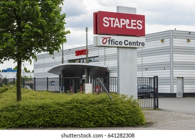ROOSENDAAL - THE NETHERLANDS - MAY 16:  Staples (office Centre) Gastelseweg Roosendaal on May 16, 2017