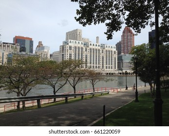 Roosevelt Island NYC Promenade by the river