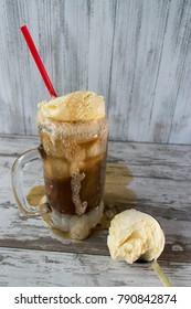 root beer float with vanilla ice cream