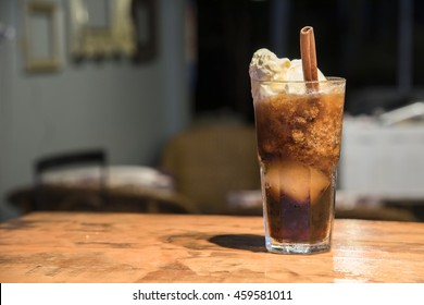 Root beer with ice cream