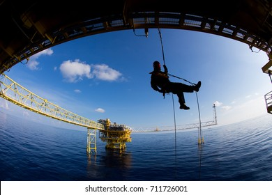 rope access job on the rig of thailand
