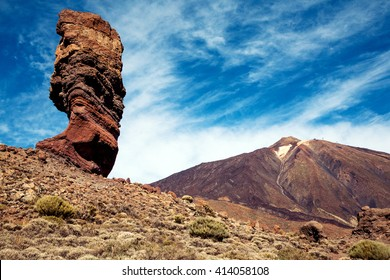 The Roque Cinchado, a unique rock formation and an emblematic of the island of Tenerife located near Teide Volcano (Canary Islands, Spain)