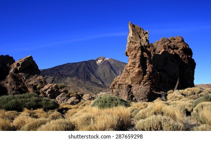 Roques, García, Mount Teide, Tenerife, Canary islands, Spain, the Plain of Ucanca, Canadas of Teide, column, famuos, formation, hill, relaxation,rock,tourism,
