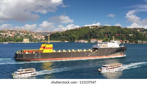 Ro-ro cargo ship sails into Straits Bosporus