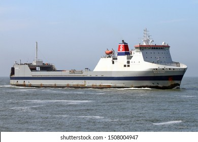 The Ro-Ro cargo ship Somerset will reach the port of Rotterdam on 22 May 2019.