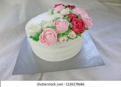 Rose Flower Made Of Cream For Ckae Topping