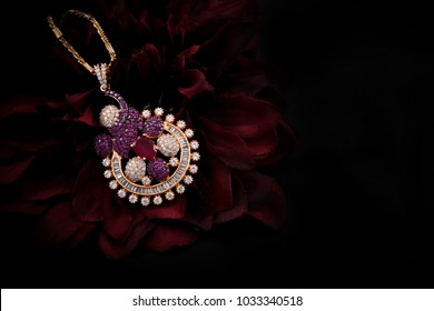 Jewellery Background Photos 213 452 Jewellery Stock Image