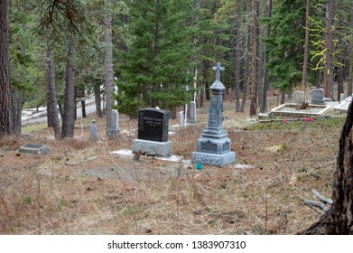 Roslyn, WA USA March 29,2019 Historic Cemetery  Grave Markers Bianco Belessa 1900s