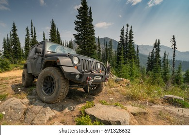 ROSLYN, WA/USA - AUG 7, 2017: A Jeep Wrangler on Trail 4W302