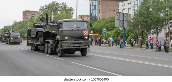 Rostov-on-Don,Russia - May 09,2018: Military equipment is returned from the parade. Citizens welcome the military