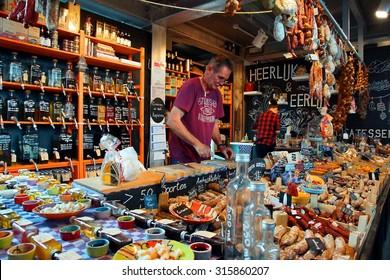 """ROTTERDAM - NETHERLANDS ; """"Heerlijk en eerlijk """" is one of the many delicatessen shops at the famous Markethal of Rotterdam on 12 september 2015"""