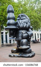 ROTTERDAM, NETHERLANDS - SEPTEMBER 20: sculpture of Santa Claus with a Dildo on September 20, 2013 in Rotterdam. The controversial sculpture was created by American artist Paul McCarthy.