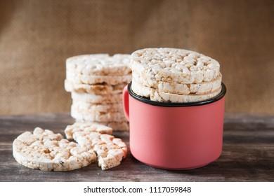 Round cereal crispbread