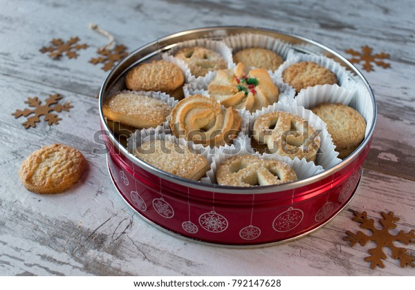 Christmas Tin Cookies.Round Cookie Tin Shortbread Cookies Christmas Stock Photo