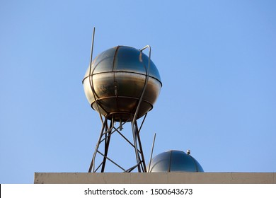 round and iron Water Tank