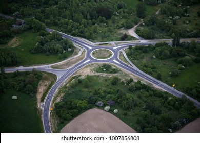 Roundabout traffic from the air