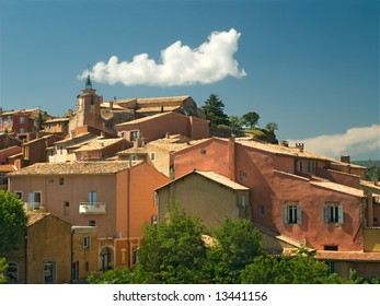 Roussillon orche coloured hilltop town in Provence, France