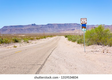 Route 66 near Oatman in Arizona, National Back Country Byway, USA