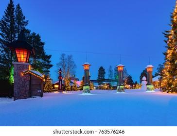 Foto Immagini E Foto Stock A Tema Villaggio Babbo Natale