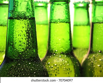 Zeile der Bierflaschen
