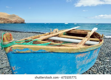 Rowing boat (paternoster) at the beach