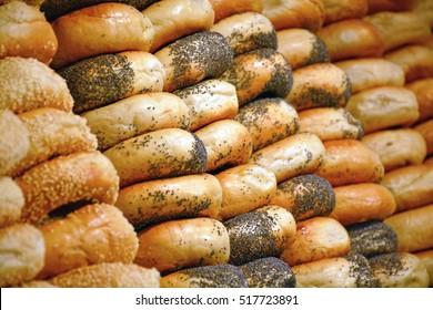 Rows of freshly made bagels