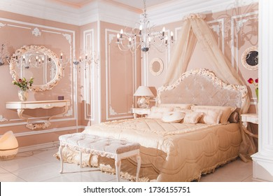 royal bedroom in pastel colors classic style