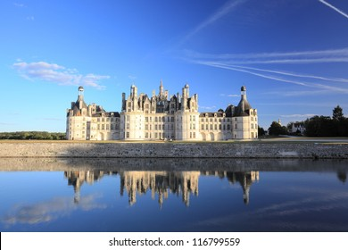 The royal chateau de Chambord is the largest castle in Loire Valley, and is known for its French Renaissance architecture