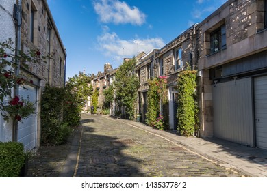 Royal Circus Lane, mews flats in Edinburgh connecting the New Town and Stockbridge (Edinburgh, Scotland)