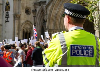 Royal Courts of Justice, London, UK, 31st August, 2014. Rally To Demand Zero Tolerance of Antisemitism
