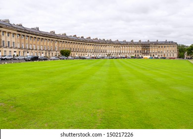 The Royal Crescent. Famous terrace row of houses. Bath, Somerset, England