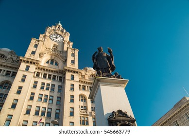 Royal  Livery Building and statue, Liverpool Pier, UK.