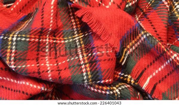 王立スチュワート・タルタンの縞柄のスカーフと縁