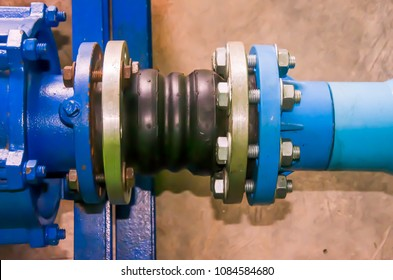 Rubber adapter clamp connect to pumping engine at water pump station of agriculture irrigation system that have more pressure and vibrating point,thus have to plan and design right position carefully