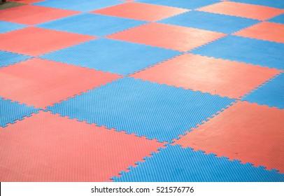 Rubber flooring squares