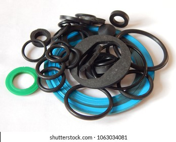 Rubber rings. The photo. Sealing gaskets for hydraulic joints. Rubber sealing rings for plumbing.