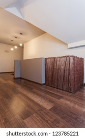 Ruby house - Bamboo barrier on staircase in modern house