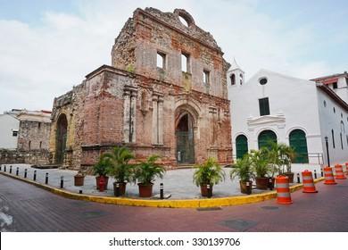 Ruin of the Santo Domingo convent, Casco Viejo, Panama City, Panama, Central America