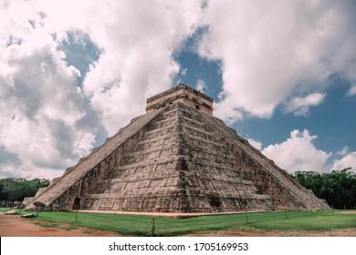 Ruins of the ancient Mayan civilization in Chichen Itza. Mexico.
