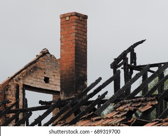 Ruins of a burned down residential building after a fire, Melbourne 2017