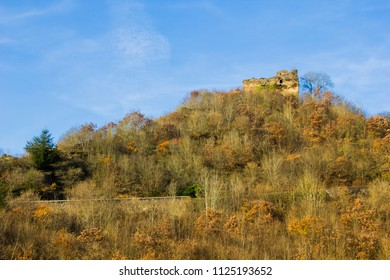 Ruins of the castle Trutzeltz Castle, siege of Burg Eltz castle next to it, Eltz feud, Muenstermaifeld, Moselle, Rhineland-Palatinate, Germany, Europe