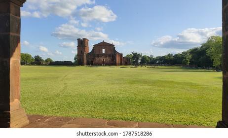 ruins church destroyed by battles brazil