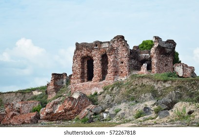 Ruins of the Doric Bungalow at Arippu , Mannar, Sri Lanka'. Residence of the first British Governor of Ceylon.