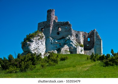Ruins of Eagle Nest medieval castle in Mirow, Poland
