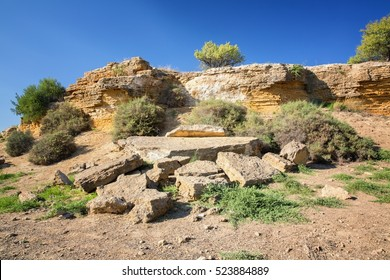 """Ruins entrance of the fifth Gate from the south side """"Fortifications Porte V"""" Agrigento, Sicily. Famous Valle dei Templi"""