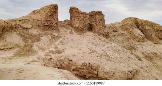 Ruins of a fortress in the Uzbek desert. large city walls to protect the citadel from attack by marauders and desert pirates.