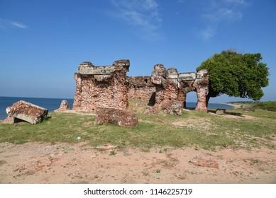 "Ruins of the ""Pearl Fishery Bungalow"".Sri Lanka"