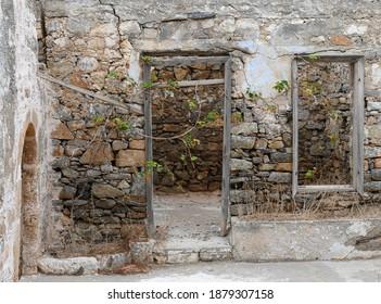 the ruins of spinalonga greece