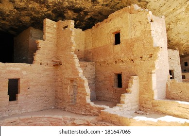 Ruins of Spruce tree house in Mesa Verde National Park, CO, USA. Mesa Verde was inhabited by the Ancestral Pueblo people from AD 600 to 1300.